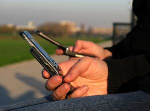 odposlech mobilů